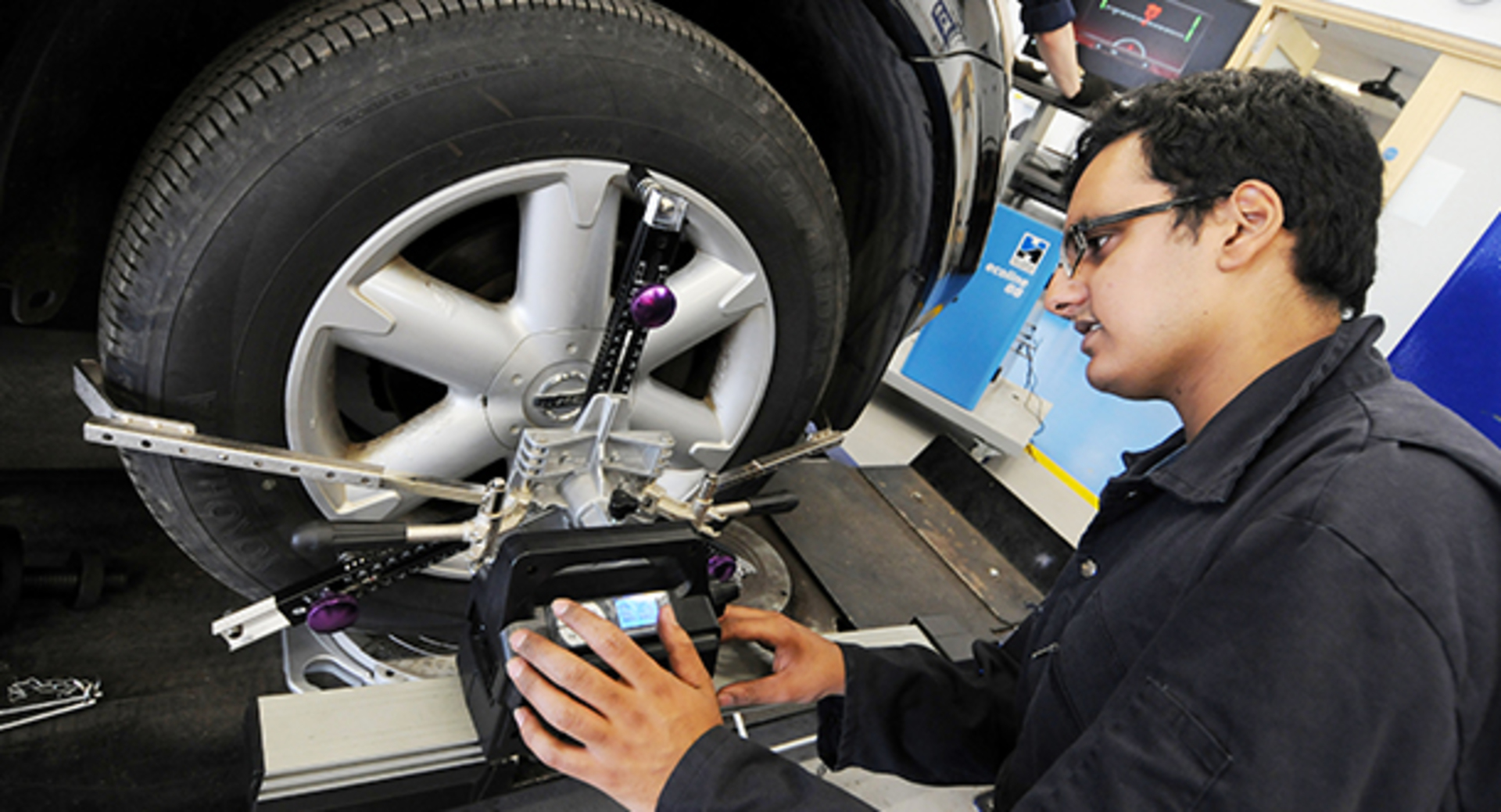 Halfords trade supports college students