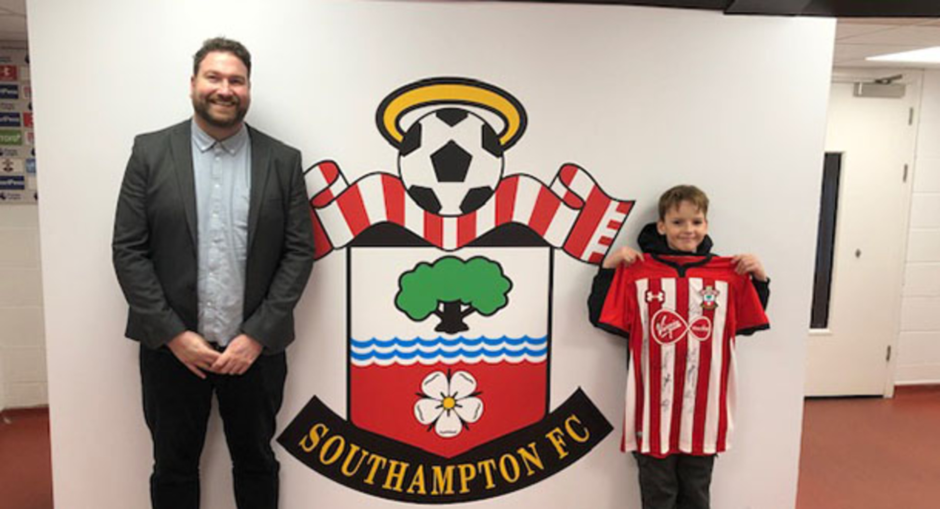 Southampton Business EXPO visitor wins signed Saints shirt and Southampton Football Club tour